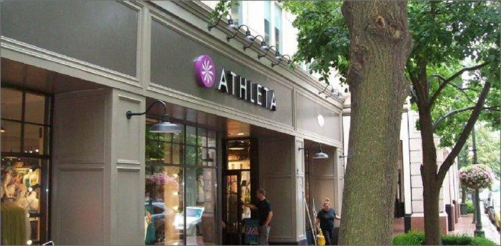 Athleta Storefront - Retail Construction